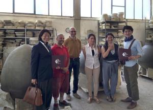 Gruppo giappponesi in visita alla fornace Artenova